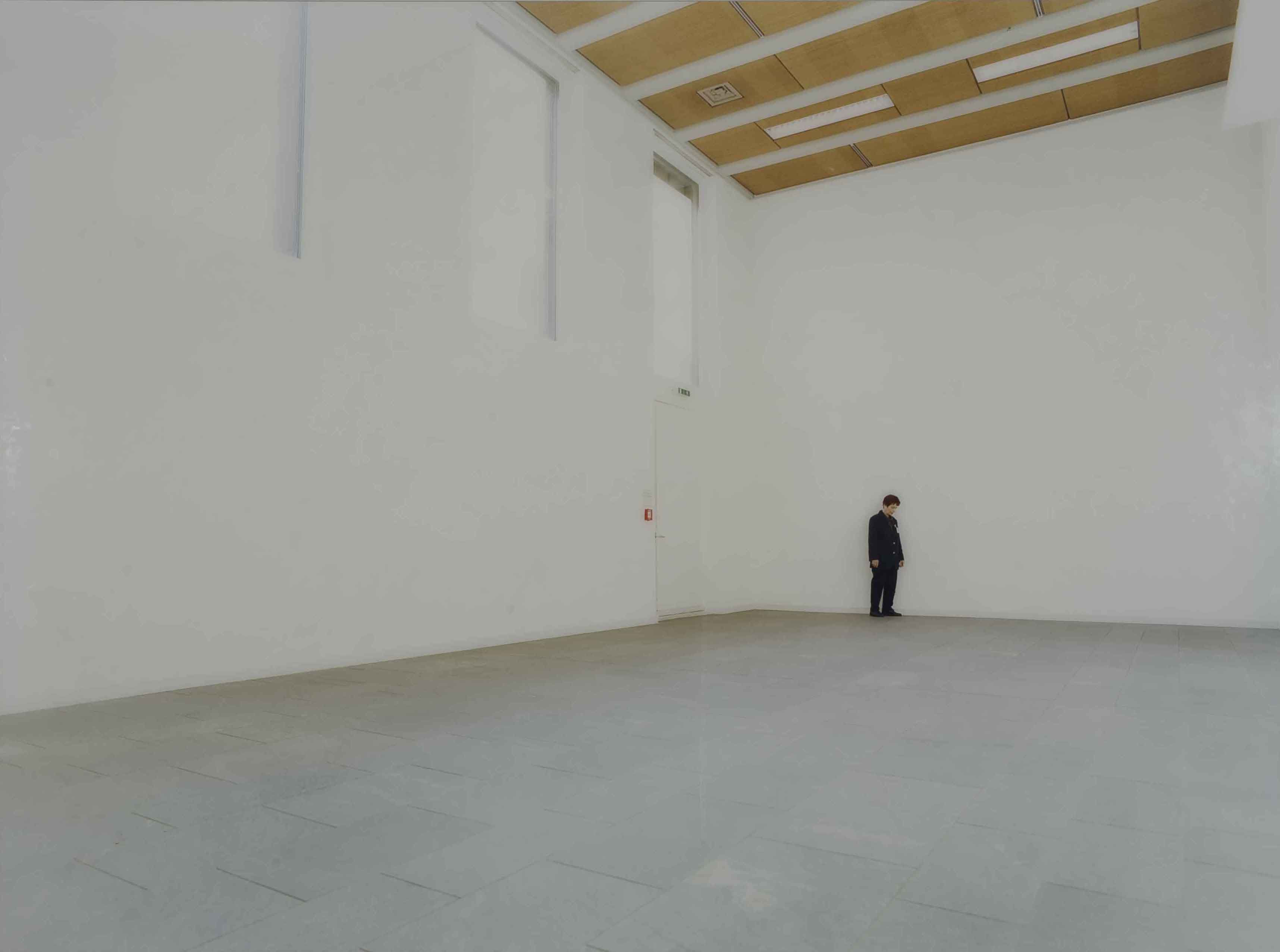 Between - Die Kunsthalle Mannheim I, 2003, C-Print auf Alu-Dibond, Plexiglas; 6-teilige Serie; Leihgabe des Förderkreises für die Kunsthalle Mannheim e.V. seit 2003; © VG Bild-Kunst, Bonn 2013