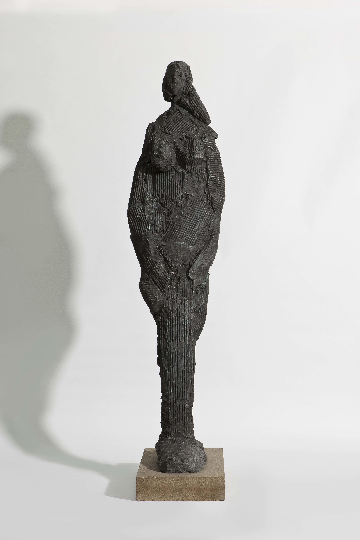 Standing Female Figure, 1955, Bronze auf Kunststeinsockel; Gussauflage: 4 Bronzegüsse; Leihgabe des Förderkreises für die Kunsthalle Mannheim e.V. seit 1994; © VG Bild-Kunst, Bonn 2013