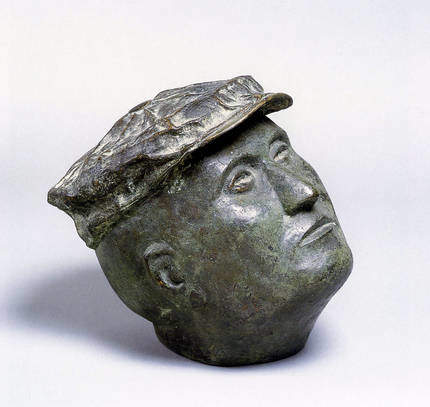 Mützenkopf, 1973, Bronze; Leihgabe des Förderkreis für die Kunsthalle Mannheim e.V. seit 2006; Schenkung aus einer Privatsammlung in Frankfurt am Main; © VG Bild-Kunst, Bonn 2013